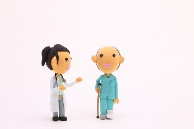 治療前に必ず確認!示談金額に影響する健康保険と労災保険 受けられる補償と提出書類