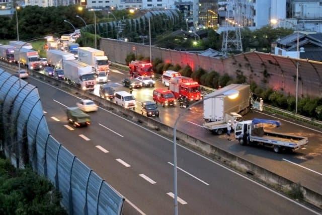 高速道路で交通事故を起こしてしまったら